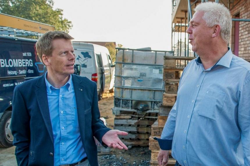 CDU-Fraktionsvorsitzender Nico von Royen (l.) und Vorsitzender Herbert Albers wollen sich für ausreichend Wohnbaugebiete in Neuenkirchen einsetzen.