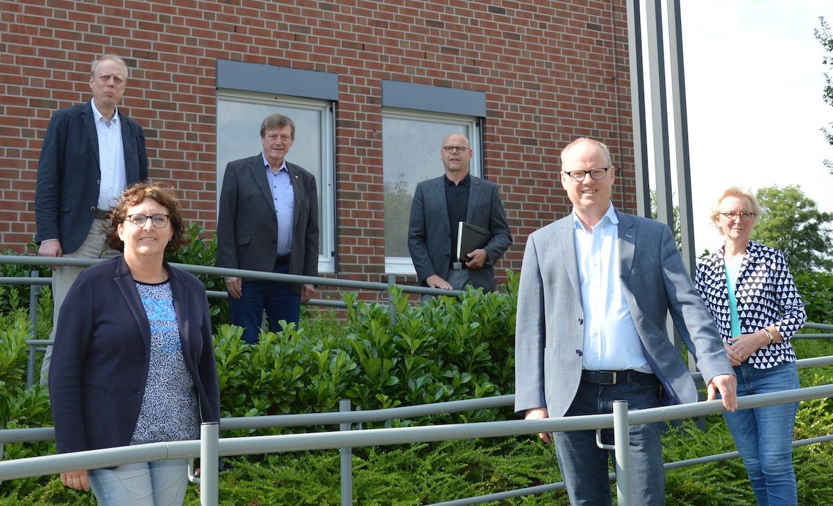 vlnr: Carsten Spieker (WLV), Anne Raffel (CDU), Wilfried Grunendahl (CDU), Franz-Georg Koers (WLV), Mathias Krümpel (Landratskandidat), Gisela Köster (stellv. Landrätin)